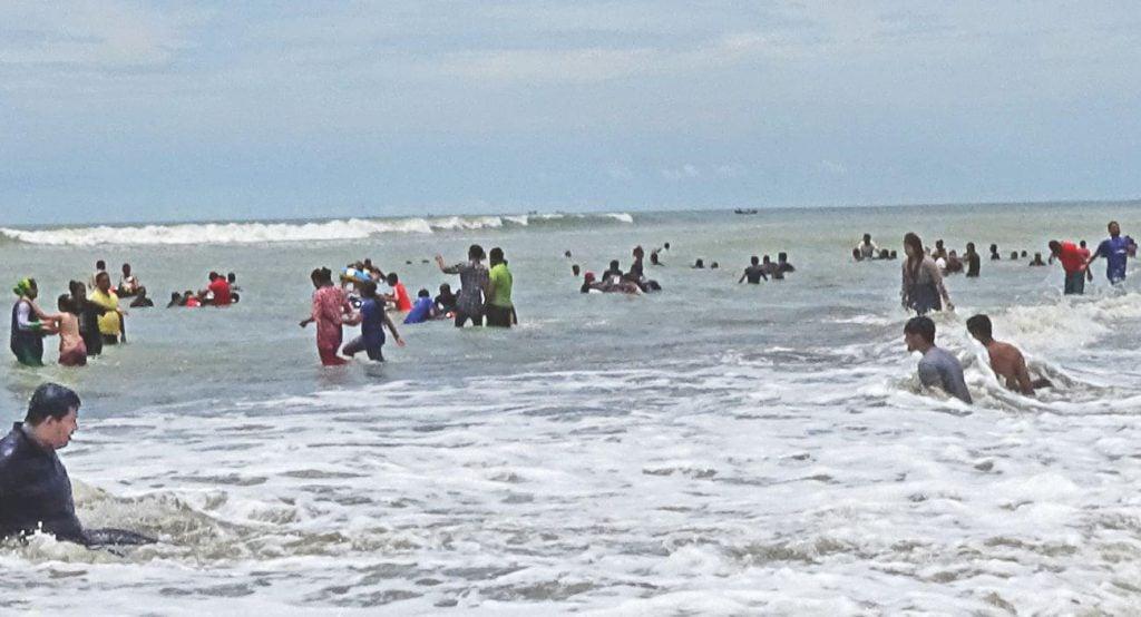 Bathing in the Beach Cox's Bazar St. Martin's Island